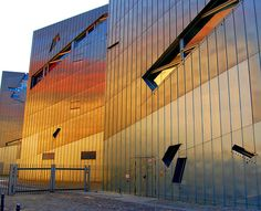 Reflecting zinc panels