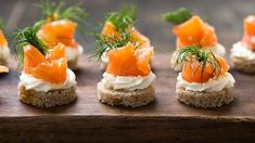Healthy Salmon Recipes, Healthy Snacks, Sour Cream, Salmon Appetizer, Good Food, Yummy Food, Smoked Salmon, Chicken Recipes, Kitchens