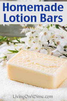 This homemade lotion bars recipe is one of our new FAVORITE recipes! We just love using these lotion bars for everything! The best part is that the recipe takes just a few minutes to make and you can easily make several bars at once. Diy Lotion, Lotion Bars, Savon Soap, Lotion Recipe, Homemade Soap Recipes, Dog Treat Recipes, Bar Recipes, Diy Skin Care, Homemade Beauty