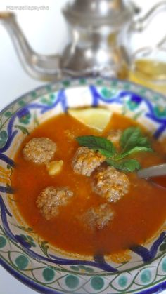 Chorba Frik (soupe à la tomate et au blé concassé)