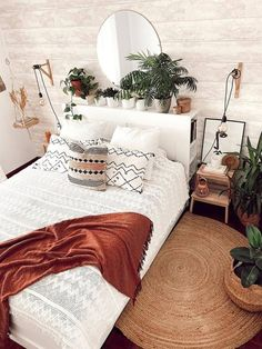 Room Ideas Bedroom, Home Decor Bedroom, Cozy Bedroom, Budget Bedroom, Bedroom Inspo, Modern Bedroom, Bedroom Plants, Bedroom Design Minimalist, Bedroom Furniture