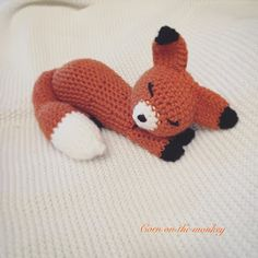 Corn on the Monkey: FREE PATTERN Gummy Worms the crochet sleeping fox, amigurumi, stuffed toy, #haken, gratis patroon (Engels), vos, knuffel, speelgoed, #haakpatroon
