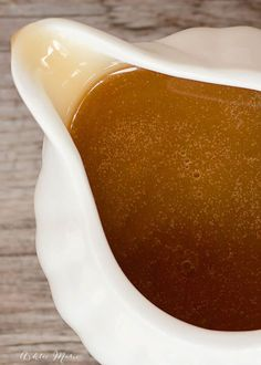 this caramel sauce tastes like the best buttery caramel in warm, liquid form. I love it on ice cream or simply eat it by the spoonful! Baked Oatmeal Casserole, Oatmeal Cake, Carmel Sauce For Apples, Apple Crisp With Oatmeal, Caramel Ganache, Dessert Sauces, Dessert Recipes, Homemade Caramel Sauce, Marshmallow Creme