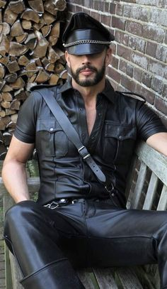 Leather Men, Leather Boots, Black Leather, Leather Jacket, Tom Of Finland, Mens Caps, Dress Codes, Cute Guys, Bad Boys