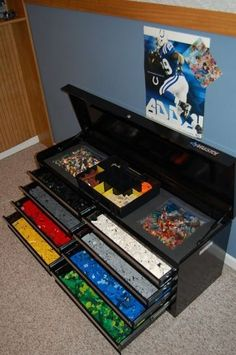 The ultimate in lego storage! {The Organised Housewife} Lego Organising and Storage ideas for boys bedrooms Legos, Lego Lego, Lego Batman, Lego Storage, Storage Ideas, Nerf Gun Storage, Storage Units, Creative Storage, Craft Storage