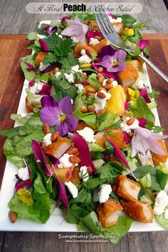 A Floral Peach & Chicken Salad with fresh mint, cilantro, pine nuts, goat cheese and a Tequila Honey Lime Vinaigrette ~ Sumptuous Spoonfuls Clean Eating, Healthy Eating, Honey Lime Vinaigrette, Peach Chicken, Chicken Salad Recipes, Salad Chicken, Flower Food, Edible Flowers, Food Presentation