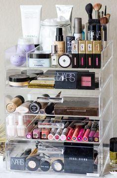 Make-up Pinsel Wäscheständer & Make-up Vanity Diy inmitten Make-up Forever Palette mit Makeup Box, Cute Makeup, Gorgeous Makeup, Makeup Tools, Makeup Brushes, Beauty Makeup, Makeup Drawer, Makeup Tutorials, Simple Makeup