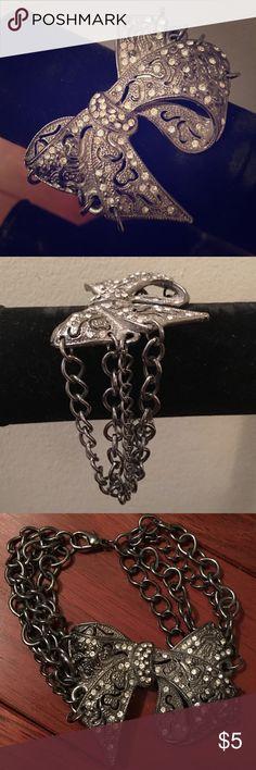 Beautiful bow bracelet!! 🎀 Multi chain silver bow bracelet 🎀 Jewelry Bracelets