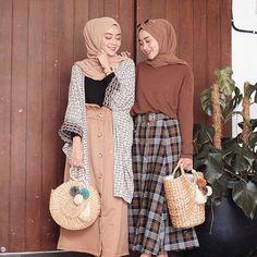Fashion hijab casual rok Ideas for 2019 Modern Hijab Fashion, Street Hijab Fashion, Hijab Fashion Inspiration, Muslim Fashion, Modest Fashion, Skirt Fashion, Trendy Fashion, Fashion Muslimah, Fashion Fashion