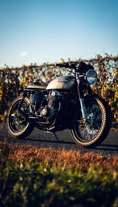 Staying warm on the Honda. Cb750 Cafe Racer, Cafe Racer Motorcycle, Cafe Racers, Honda Cb750, Supersport, Motorbikes, Motorcycles, Warm, Sunset