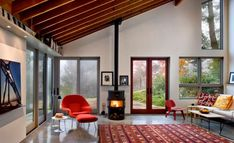 Inspiration Hollywood: Home Style With Eero Saarinen's Iconic Womb Chair