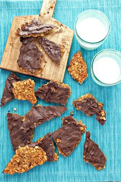 Homemade holiday gifts are the best! This Chocolate Covered Granola Bark recipe is crazy easy to make. Be sure to serve it up with a side of milk!
