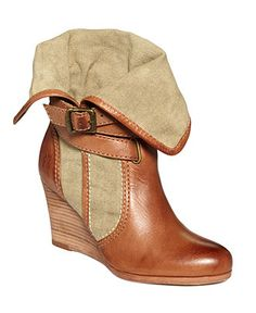 these would be so cute with skinny jeans and an oversized off-the-shoulder sweater.
