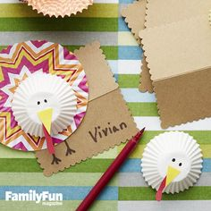 Gobbler Place Cards: Sweeten up your table with these turkey pals, quickly and cleverly constructed from cupcake liners.