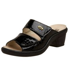 Indulge in an exotic look with the Spring Step Palazzo.This luxurious women's slide sandal has a croco-print patent leather upper fordurability, and a leather lining for moisture absorption. The syntheticfoam footbed delivers superior cushioned comfort, and removes toaccommodate custom orthotics. The adjustable straps allow acustomizable fit, while the synthetic sole of this Spring Step sandal car ...
