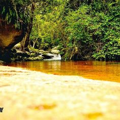 Belezas únicas para se admirar!  Cachoeira Arco íris. 🍃  #aventure #aventureiros #adventure #trekking #trilha #cachoeira #cachoeirasdobrasil #belezasnaturais #lifestyle #nature #naturezaperfeita #natureza #cannon #vsco #instasize #profissaoaventura #ecoturismo