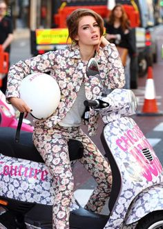 Talking about a chic motorcycle!