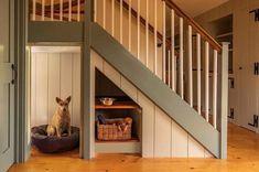 dog house under stairs platzsparend 17 Clever Uses for the Space Under the Stairs Under Stairs Dog House, Space Under Stairs, Under The Stairs, Under Staircase Ideas, Staircase Storage, Staircase Design, Storage Under Stairs, Staircase Architecture, Modern Staircase