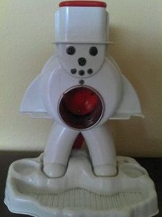 Vintage Sno-Cone Maker by Hasbro. OMG I loved this.