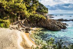 Una visita de fin de semana a las playas del Parque Natural de Cabo de Gata, 48 horas para conocer uno de los lugares más impactantes de la geografía española.…