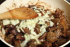 Resztelt (pirított) máj   Csirkemájpörkölt tarhonyával >>>  Vörösboros resztelt csirkemáj tepsiben süt zöldségekkel >>>  Resztelt szárnyas máj fokhagymás pirítóssal >>>   11 recept hétvégére, ha fogalmad sincs, mi legyen a menü >>> Beef, Food, Meat, Essen, Ox, Ground Beef, Yemek, Steak, Meals