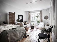Post: Un estudio escandinavo muy cozy --> blog decoración, decoración estudios, decoración minipisos, decoración pisos pequeños, diseño interiores estudios, estilo escandinavo, estilo nórdico, cozy, interior design, home decor, decor inspiration, scandinavian interiors