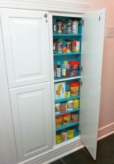 Astonishing Built Kitchen Pantry Design Ideas 33 There are two very important options that should be considered in every large kitchen pantry cabinet design. Although these options … Kitchen Pantry Design, Kitchen Pantry Cabinets, Kitchen Redo, Kitchen Storage, Wall Pantry, Kitchen Ideas, Pantry Room, Basement Kitchen, Kitchen Updates