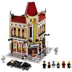 LEGO 10232 Creator Palace Cinema Modular building with new sticker sheet Lego Modular, Lego Creator, The Creator, Legos, Casa Lego, Black Limousine, Construction Lego, Le Palace, Ciel Nocturne