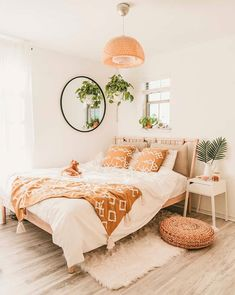 Home Interior Green Boho bedroom decor ideas decor.Home Interior Green Boho bedroom decor ideas decor Boho Bedroom Decor, Boho Room, Bedroom Inspo, Bohemian Bedroom Design, Wall Decor Boho, Modern Bohemian Bedrooms, Modern Boho Master Bedroom, Spare Room Decor, Bedroom Inspiration Cozy