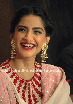 Sonam Kapoor stuns in Anamika Khanna for 'Neerja' press