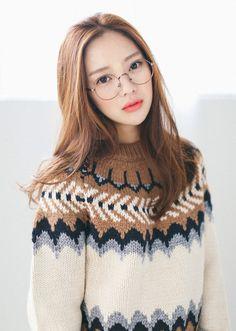 sake of joy Pretty Korean Girls, Beautiful Asian Girls, Beautiful People, Beautiful Athletes, Fantastic Baby, New Fashion Trends, Asia Girl, Hey Girl, Sweet Girls