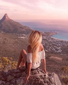 Here are my top ten epic photo spots to take the perfect instagram pics when you visit Cape Town! Which ones have you been to?