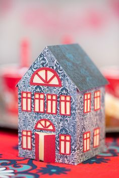 askar med mallar - boxes with templates - Little Houses, Christmas Home, Gift Wrapping, Wrapping Ideas, Playroom, Cube, Diy And Crafts, Templates, Crafty