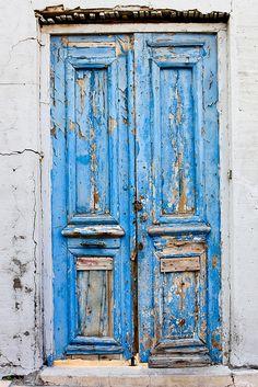 Blue door in Heraklion, Crete, Greece Old Doors, Windows And Doors, Door Knockers, Door Knobs, Pintura Exterior, When One Door Closes, Heraklion, Vintage Doors, Rustic Doors