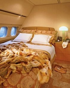 Flying house luxury private jet interiors dream board for Gulfstream v bedroom