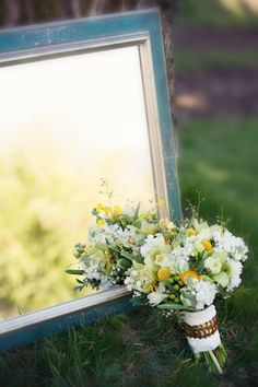 Venue: Fairburn Farm Duncan - Planning: Blue Lily Event Planning - Photos: Smiling Rain Photography - Floral: FLEURtatious by Lynda Marie - Decor: Charming Decor Event Design - Stationary: Open Invitations - Hats: Lynda Marie Couture Millinary