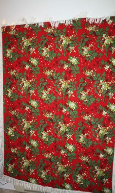 "Christmas Tablecloth Plus 2 Place Mats Large 52"" x 72"" Red Green Holly Fringe"