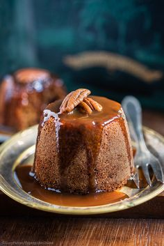 Finished with a stunning brandy toffee sauce cascading over the top, these Date and Ginger Sticky Toffee Puddings are the perfect sweet dessert recipe to pair with an aromatic Nespresso Grand Cru coffee creation. Romantic Desserts, Sweet Desserts, Just Desserts, Delicious Desserts, Dessert Recipes, Health Desserts, Toffee Sauce, Toffee Recipe, British Pudding