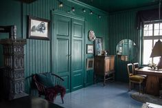 💐🐙💐 — thenordroom: Villa Betula in Norway. Easy Home Decor, Home Decor Bedroom, Interior Inspiration, Design Inspiration, Library Inspiration, Design Ideas, Renovation Budget, Dark Interiors, Green Rooms