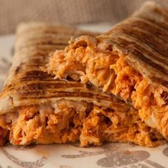 Health low carb dinner idea - chicken parmesan wraps using low carb wraps (or lettuce!) that's ready in no time. Healthy Chicken Recipes, Healthy Dinner Recipes, Low Carb Recipes, Healthy Snacks, Diet Recipes, Low Carb Chicken Parmesan, Crispy Chicken, Sesame Chicken, Tater Tots