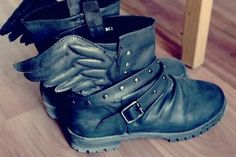 winged boots. Yay!! My mother can make fun all she wants. I need these shoes.