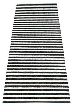 Eteinen kaipaa myös mattoa viimeistään syksyn ja kuran tullen. Tämä Pappelinan muovikuteinen matto voisi olla hyvä valinta.