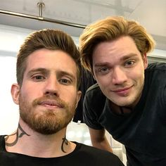 They just don't make them like this anymore. A true gent! Series Movies, Tv Series, Shadowhunters Season 3, Dominic Sherwood, Im Jealous, Shadowhunters The Mortal Instruments, Clace, Vampire Diaries The Originals, Shadow Hunters