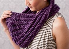 You'll regret missing these 5 FREE chunky knitting patterns that include a vast selection of fun, chunky knits you'll love making. Knitting Daily, Easy Knitting, Knitting Scarves, Knitting Ideas, Knitting Projects, Crochet Shoes Pattern, Crochet Patterns, Free Chunky Knitting Patterns, Knit Scarves Patterns Free