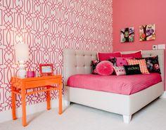 Girls room pink wallpaper