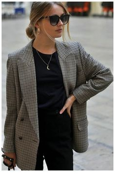 business casual outfits for women you. 29 Top Looks Outfit Ideas With Blazer You Have To Try * remajacantik Cute Winter Outfits, Classy Outfits, Fall Outfits, Fashion Mode, Work Fashion, Womens Fashion, College Fashion, Petite Fashion, Fashion Stores