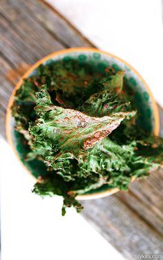 Truly Kira: Mausteiset lehtikaalisipsit - Kryddiga grönkålschips