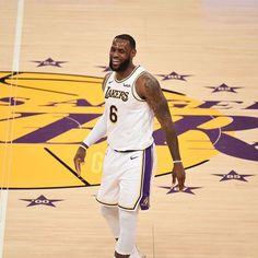 "LeBron James 👑 on Instagram: ""#️⃣6️⃣ LEBRON IS BACK! 🔥"" King Lebron James, King James, Basketball Players, Basketball Court, Rapper Art, Sports Wallpapers, Los Angeles Lakers, Nba, Instagram"