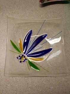 Newest fused glass plate, l made. Slumped Glass, Fused Glass Plates, Fused Glass Jewelry, Fused Glass Art, Mosaic Glass, Mosaic Mirrors, Mosaic Wall, Stained Glass Birds, Stained Glass Projects