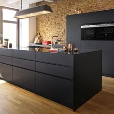 Siemens studio line, the product that is solely made for kitchen studios offering the best of the best for the cooking advocate, or the on the go user needing quality with ease. Luxury Kitchen Design, Luxury Kitchens, Cool Kitchens, Kitchen Interior, Kitchen Decor, Basement Studio, German Kitchen, Studio Kitchen, Kitchen Installation